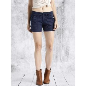 Roadster Women Solid Regular Fit Hot Pants